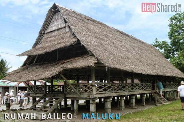 rumah adat baileo maluku