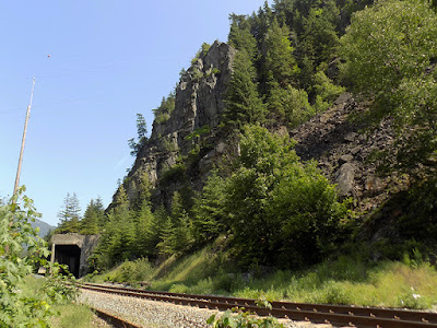 Railroad Tunnel / Hell's Gate Airtram