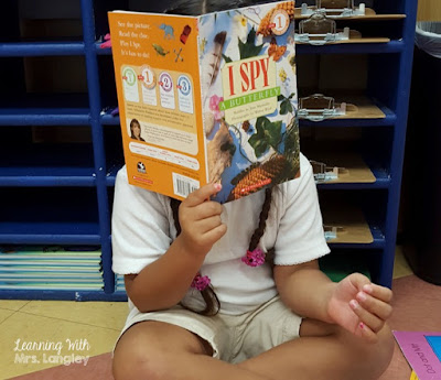 Launching read to self the first few days of kindergarten is a magical time. We use wordless books to talk about improving stamina, picking books for our book bins, setting expectations, and creating an anchor chart for what read to self looks, sounds, and feels like.