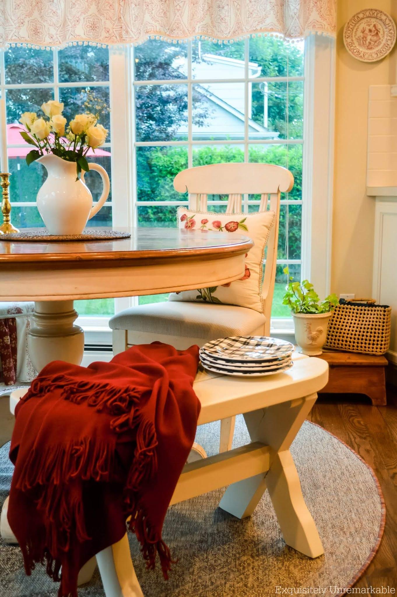 Cozy Cottage Kitchen Nook