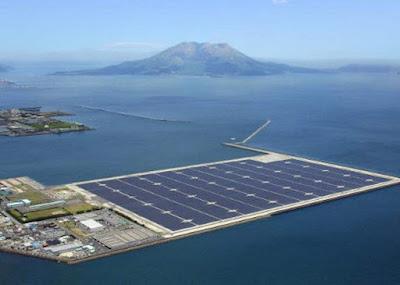 Ilha solar flutuante no Japão