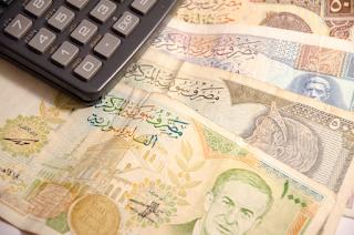 انهيار مستمر لليره السوريه امام الدولار والليره التركيه واليورو