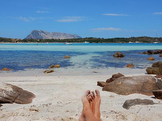 praia cala brandinchi san teodoro sardenha