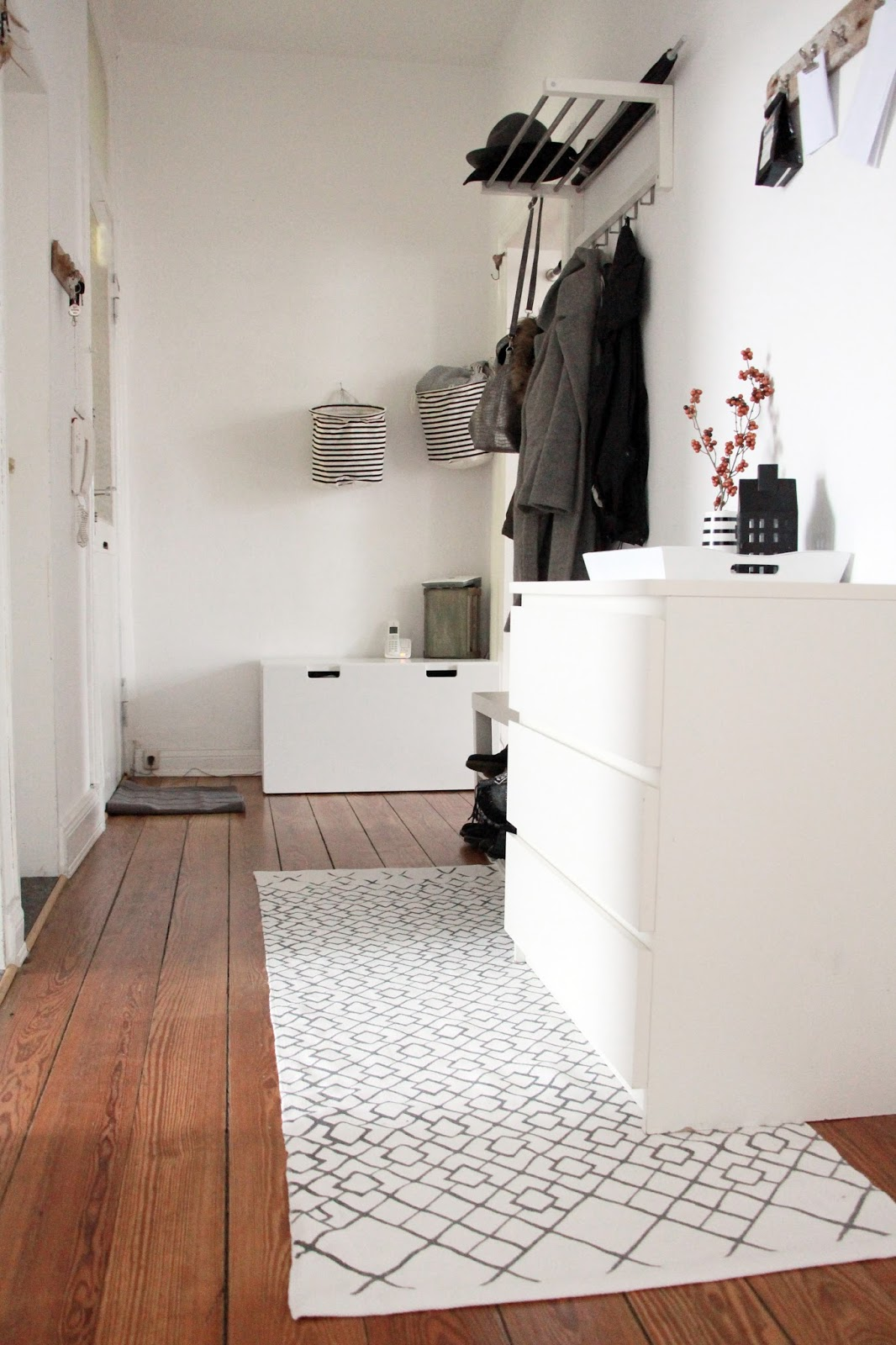 interior flur gestaltung im minimalistischen skandi chic fashion und interior blog aus kiel. Black Bedroom Furniture Sets. Home Design Ideas