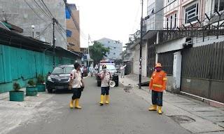 Paguyuban Duri Utara Bersatu (PDUB) Bekerja Sama Dengan PTK Melaksanakan Penyemprotan Disinfektan Massal Guna Pencegahan COVID-19