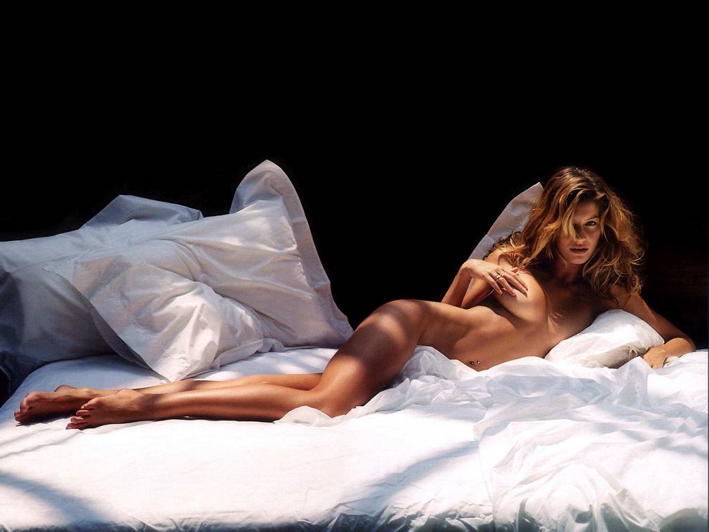 giselle bundchen topless