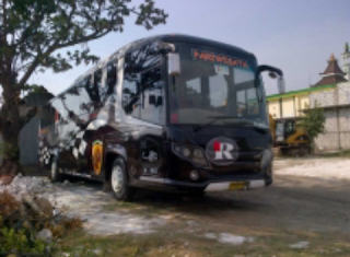 rental Bus Pariwisata PO. R Trans Surabaya