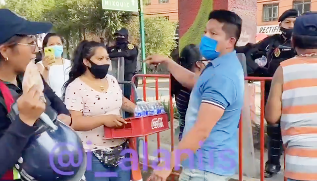 Se solidarizan vecinos de Tláhuac llevando alimentos a trabajadores