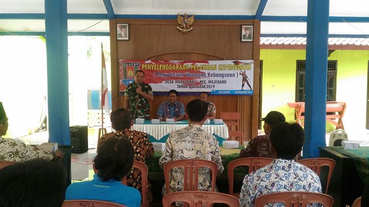 Anggota Koramil Majenang Memberikan Penyadaran Wawasan Kebangsaan Bagi Pemuda Dan Masyarakat