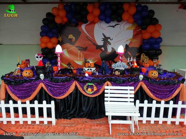 Decoração de aniversário tema Halloween - Mesa temática tradicional de tecido luxo - Festa no Recreio RJ