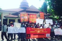 Aksi Mahasiswa Papua, Bawa Gambar Bintang Kejora disita polisi