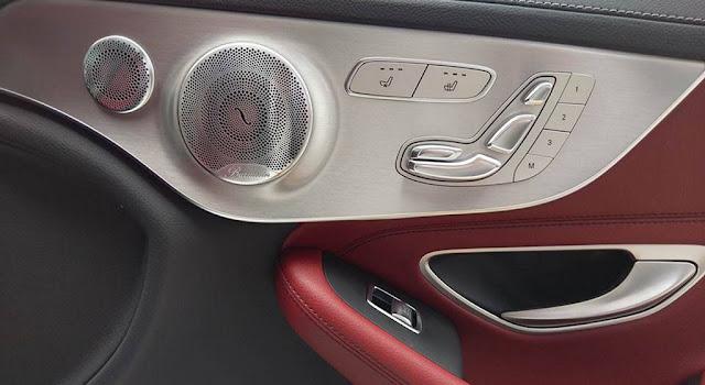 Mercedes AMG C43 4MATIC Coupe 2019 sử dụng Âm thanh vòm Brumerster 13 loa