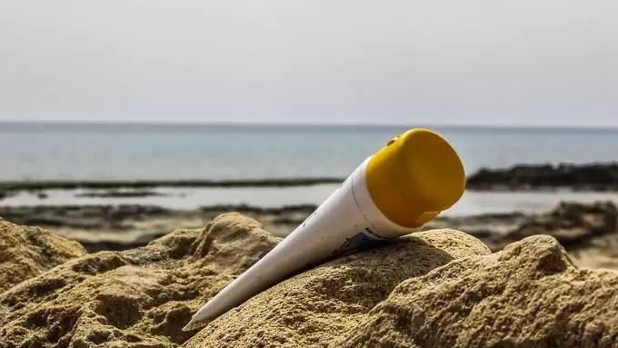 ब्यूटी टिप्स इन हिंदी फॉर फेस इन समर के लिए सनस्क्रीन का प्रयोग करें