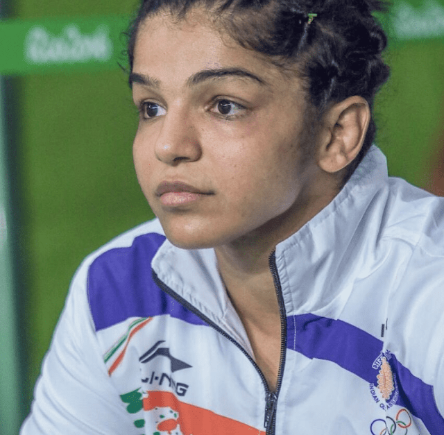 Sakshi Malik (Wrestler) Biography, Wiki, Age, Height, Weight, Family, Education, Husband, Affairs, Brother, Mother, Father