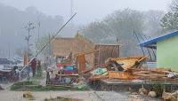 Diterjang Angin Kencang, Sejumlah Gazebo di Lawata Hancur Berantakan
