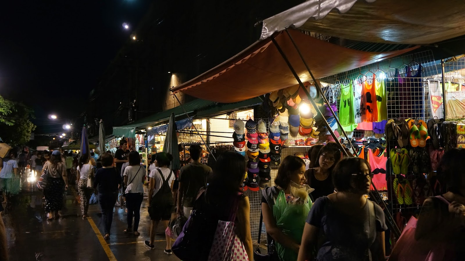 Chatuchak market was already closed by the time we were there, but the night market is still equally as interesting
