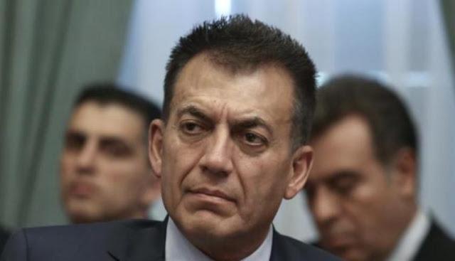 Μπαίνει επιτέλους τάξη: Ο Βρούτσης ανακάλεσε εγκύκλιο του ΣΥΡΙΖΑ για την απόδοση ΑΜΚΑ σε ξένους