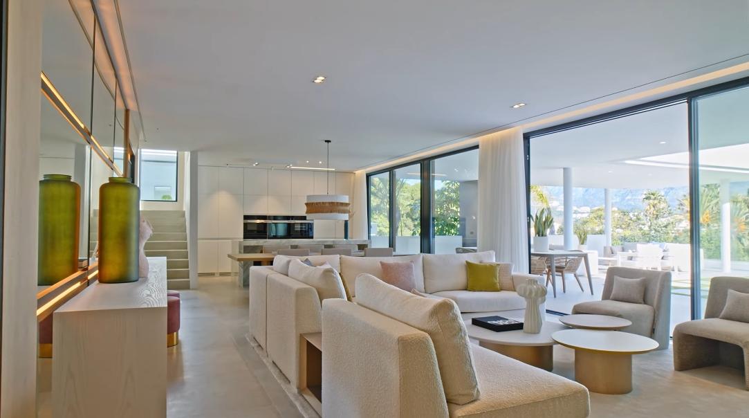 27 Interior Design Photos vs. Villa Brisas 1 Nueva Andalucia Tour