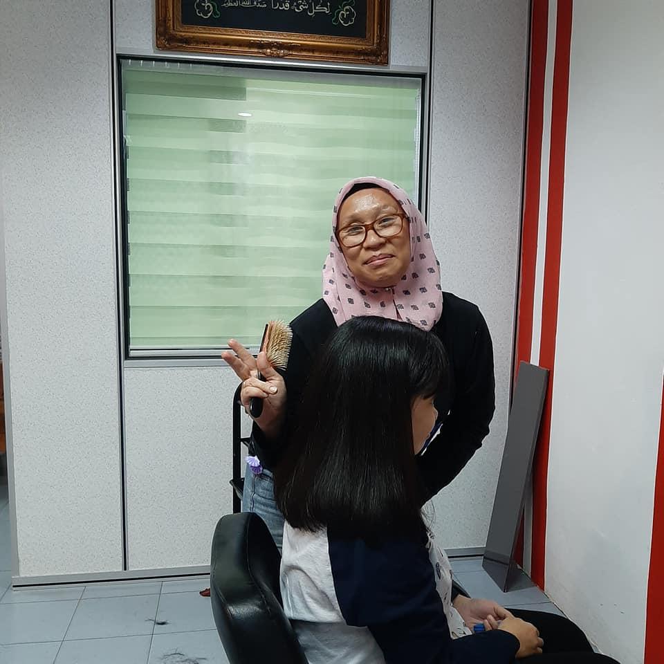 Pn Nina Ros,Owner SPA at Batu Pahat