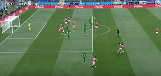 روسيا تنهى الشوط الأول بالتقدم على السعودية 2-0