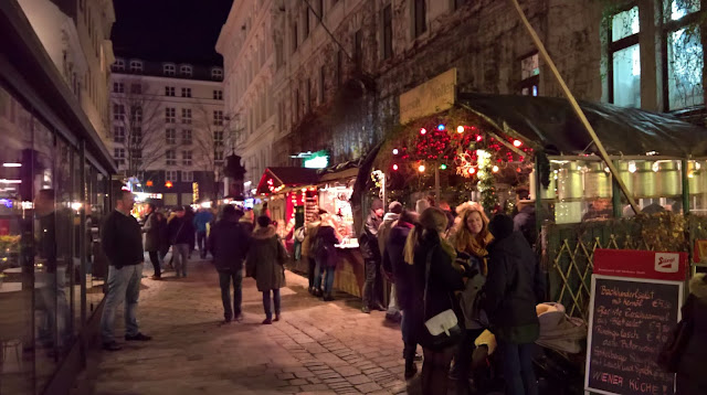 Wienin joulumarkkinat Mallaspulla matkailee joulu Itävalta
