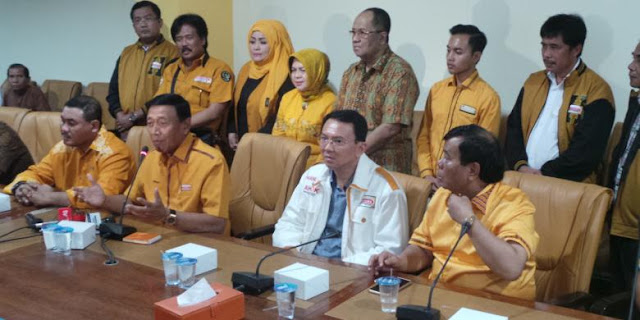 Wiranto: Enam Organisasi Hanura Siap Bantu Kumpulkan KTP untuk Ahok!