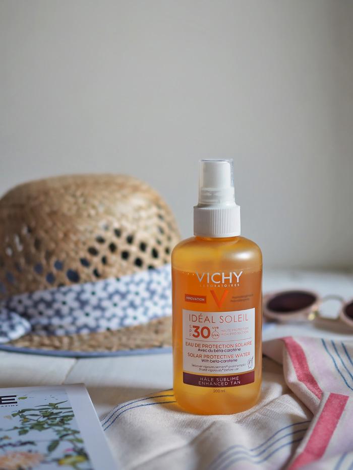 Idéal soleil eau de protection solaire hâle sublimé de la marque Vichy
