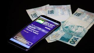 Pagamento do auxílio de R$ 300 calendário