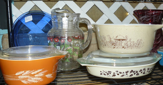 Vintage Pyrex at Scranberry Coop Antique Store Andover NJ - Shop and Buy Pyrex Here