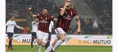 إسي ميلان الإيطالي يهزم بينيفينتو بثنائية ويواصل تصدرة للدوري الإيطالي