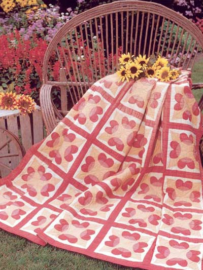 Antique Hearts Quilt designed by Sandra L. Hatch of FreePatterns