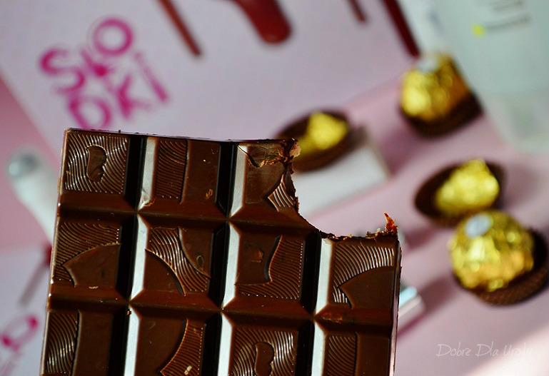 ShinyBox Słodki Marzec i deserowa czekolada z bakaliami :)