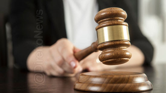 juiza condena medico cumprir horaria direito