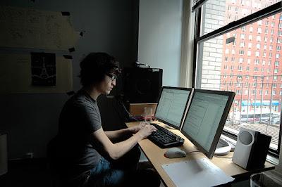 Terlalu Lama Bekerja Dengan Komputer