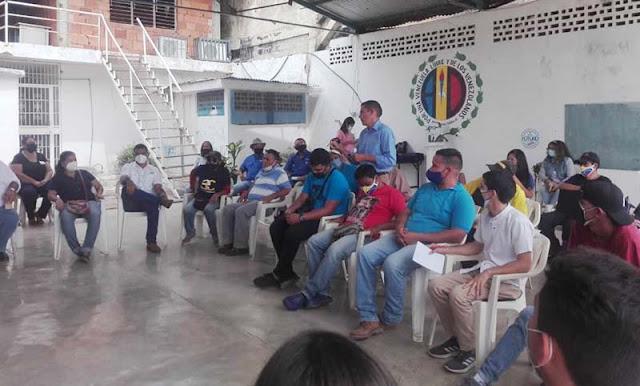 LA PLATAFORMA UNITARIA DE TORRES RESTEADA POR LA RESTITUCIÓN DE LA DEMOCRACIA