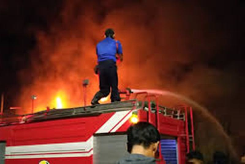 Gudang Ban Terbakar, Kerugian Hampir 3 Milyar