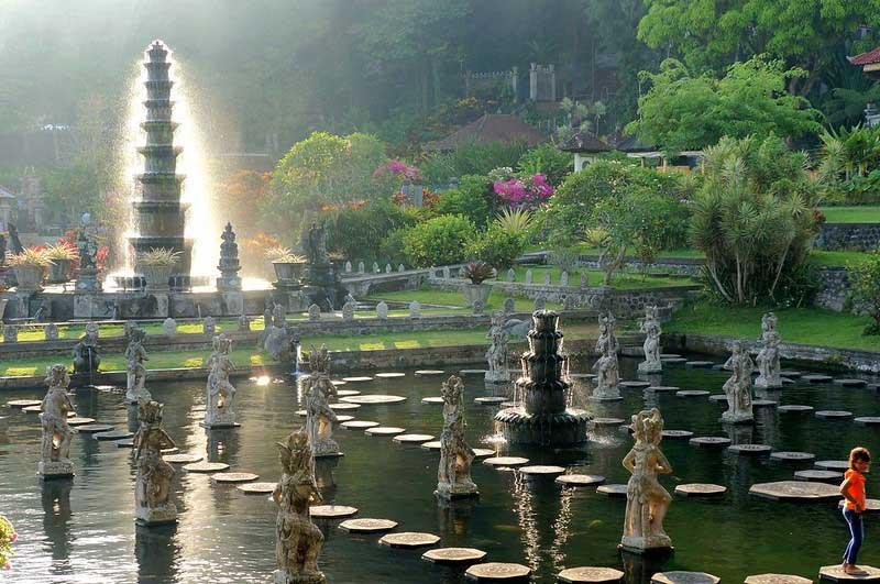Fasilitas di Taman Wisata Tirtagangga Bali
