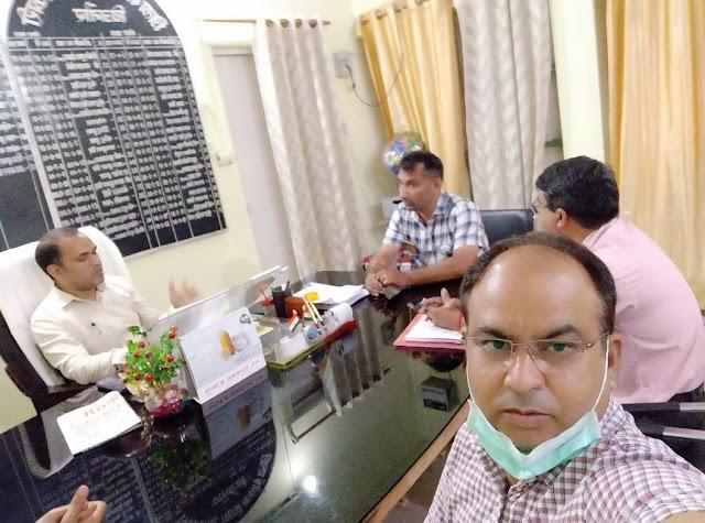 बिजनौर : राष्ट्रीय शैक्षिक महासंघ का प्रतिनिधिमंडल बीएसए से मिला एवं ज्ञापन सौंप की शिक्षक समस्याओं के निराकरण की मांग