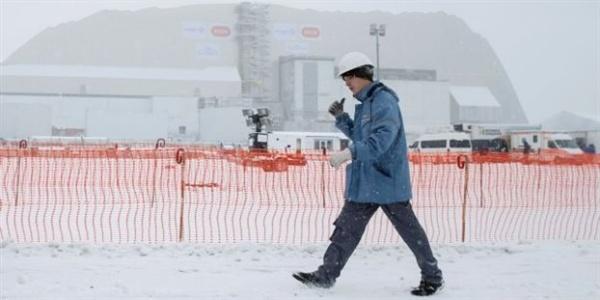 Στη θέση του το κέλυφος που θα συγκρατεί τη ραδιενέργεια του Τσερνόμπιλ
