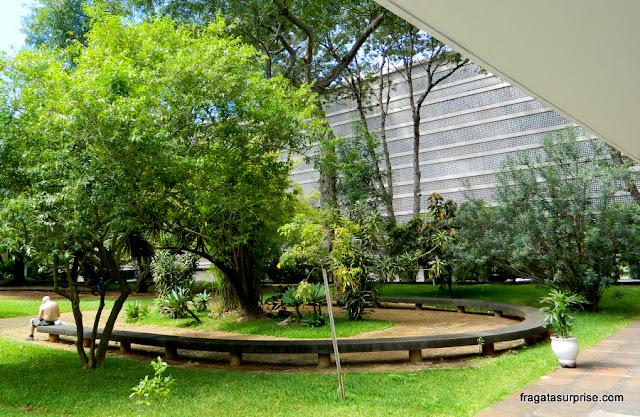 Jardim na quadra modelo de Brasília