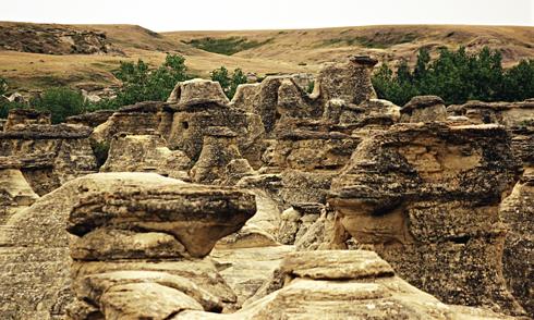 writing on stone provincial park alberta hoodoos