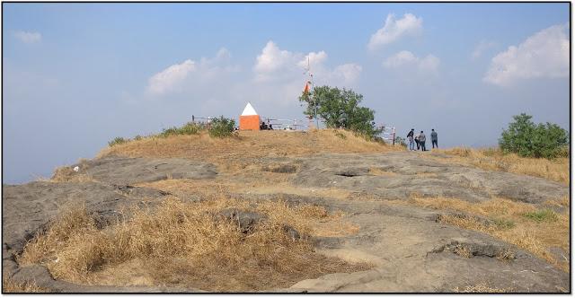 Dukes Nose, Mahadev mandir at Nagphani