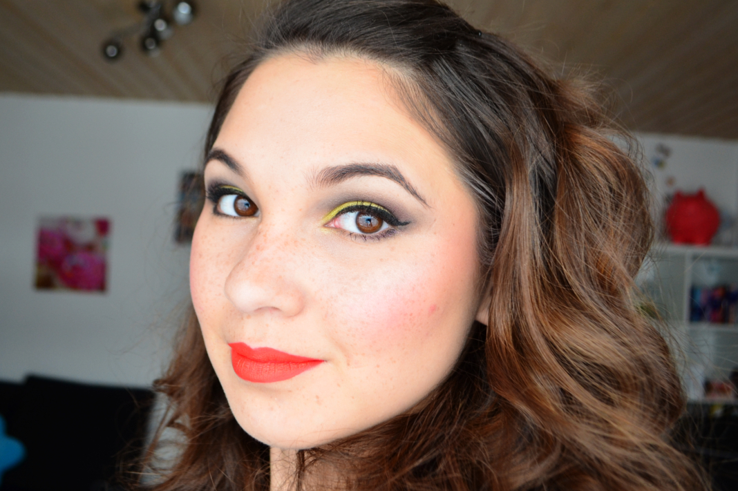 IQ Cosmetics Colourful Lipstick Matt 32 Summer Tragebild