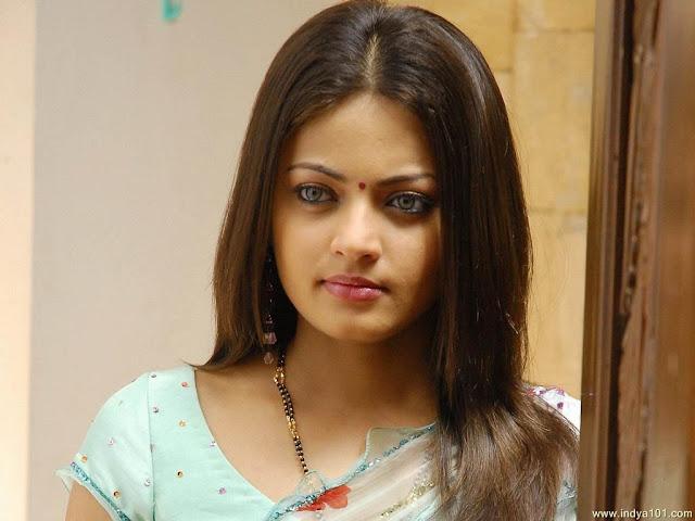 Charming Indian Actress wallpaper, Lovely Bollywood actress wallpaper