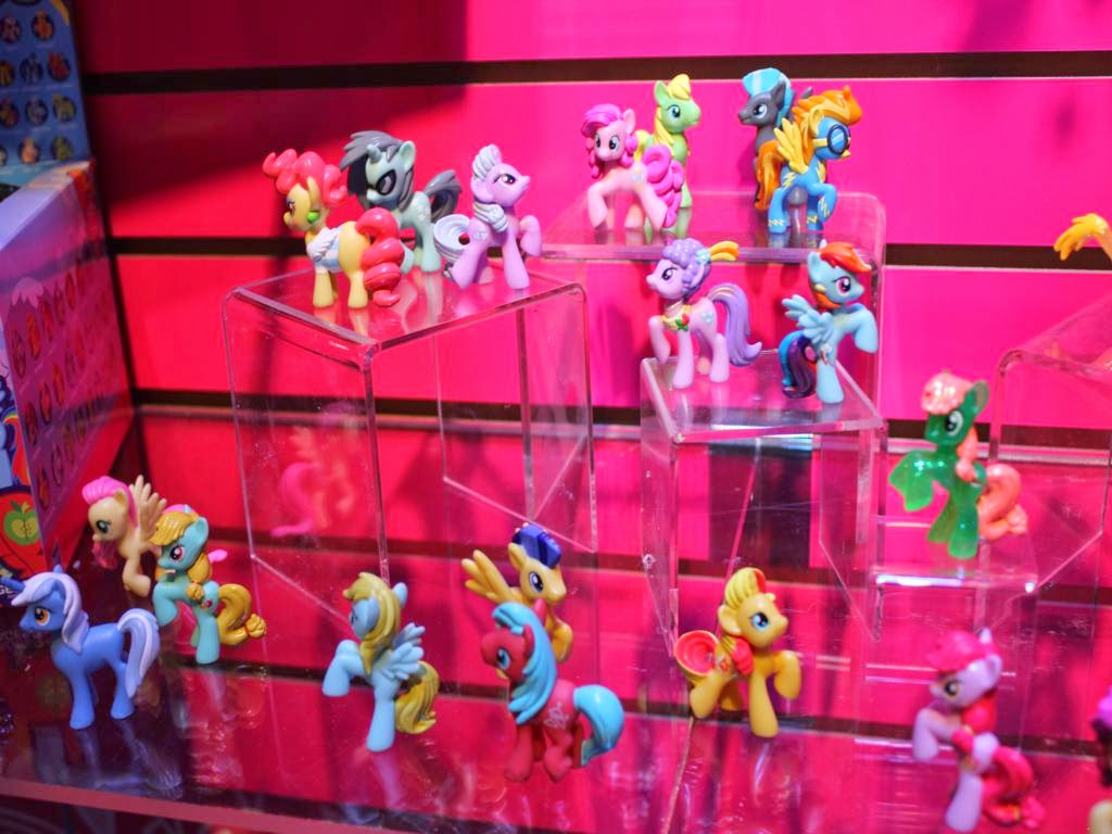 Lots of unreleased blind bag figures