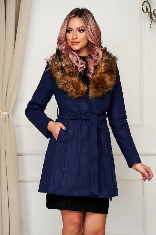 Palton albastru din lana elegant in clos cu guler din blana artificiala