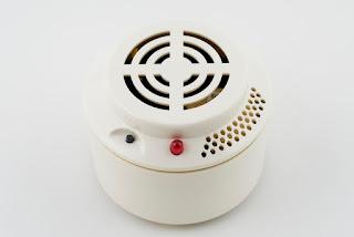 Detectores de caídas y otros aparatos para dependientes