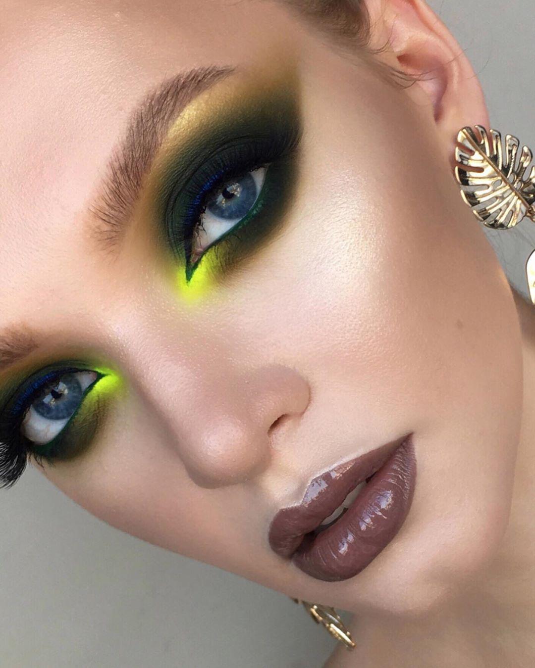 Maquiagem neon sombra verde
