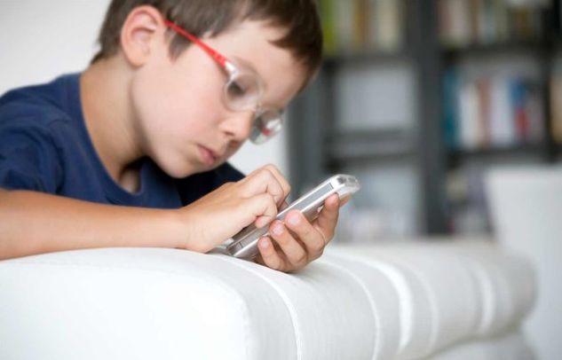 Σοβαρός κίνδυνος για την μνήμη των παιδιών η ακτινοβολία από τα κινητά!
