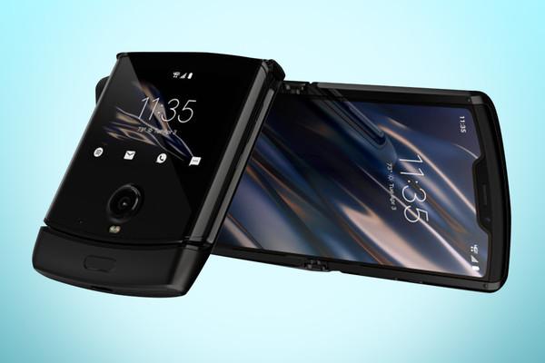 أخيرا.. موتوروﻻ تكشف عن هاتفها المميز Motorola Razr